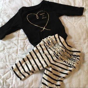 Old Navy Matching onesie and leggings 0-3 Months